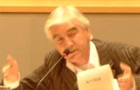 Max van den Berg gebaart