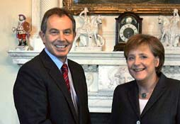 Angela Merkel en Tony Blair. Foto: Faz.net